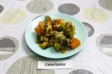 Готовое блюдо: батат с брокколи и грибами