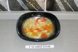 Готовое блюдо: легкий овощной суп с грудкой