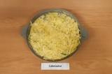 Шаг 10. Посыпать куриное филе сыром, поставить в духовку на 20 минут при 180 гра