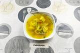 Готовое блюдо: овощной суп на курином бульоне