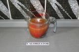 Шаг 6. Воду соединить с помидорами.