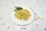 Готовое блюдо: рис с кальмарами