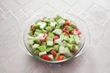 Шаг 6. Яйца вылить на овощи и опять перемешать. Поставить в духовку на час