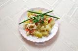 Готовое блюдо: кабачки с помидорами и яйцом в духовке