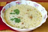 Готовое блюдо: грибной суп с лисичками