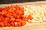 Шаг 3. Морковь и пастернак очистить и порезать кубиками.