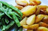 Шаг 5. Смешать картофель и фасоль.