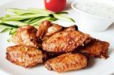 Готовое блюдо: крылышки в медовом маринаде.