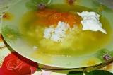 Готовое блюдо: пикантный суп с мандаринами