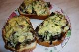 Готовое блюдо: бутерброд Грибная поляна