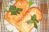 Готовое блюдо: горячий бутерброд с колбаской
