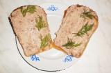 Готовое блюдо: бутерброд с фасолевым паштетом