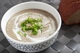 Готовое блюдо: грибной крем-суп с зеленью