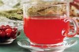 Готовое блюдо: имбирный чай с клубникой