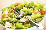 Готовое блюдо: салат с тунцом
