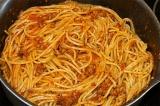 Шаг 9. Отварные макароны отправить к соусу и перемешать.