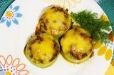 Готовое блюдо: фаршированные мясом кабачки