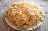 Готовое блюдо: салат с курицей и овощами