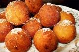 Готовое блюдо: творожные шарики во фритюре