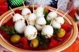Готовое блюдо: фаршированные перепелиные яйца