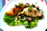 Готовое блюдо: куриные рулетики с перцем