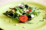 Готовое блюдо: салат с сыром фета
