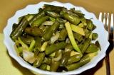 Готовое блюдо: салат из фасоли с авокадо