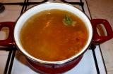 Шаг 7. Картофель и заправку из лука и моркови добавить в суп.