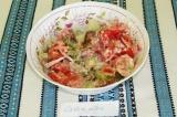 Готовое блюдо: салат летний с базиликом
