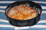 Шаг 5. Когда хлеб поднимется, поставить его в неразогретую духовку на 200 граду
