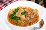 Готовое блюдо: суп гороховый с копченой грудинкой