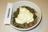 Шаг 10. Добавить майонез и перемешать получившийся соус до однородности.