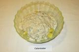 Шаг 11. Нарезанный картофель залить соусом, перемешать.