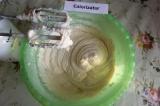 Шаг 5. В итоге получится густое тесто.