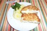 Готовое блюдо: куриное филе с сыром