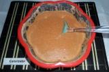 Шаг 5. В жидкие ингредиенты вмешать сухие, массу тщательно перемешать.