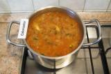 Шаг 6. Снять суп с огня через 5 мин. Обжарить гренки и подавать суп с гренками.
