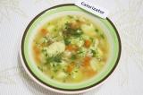Готовое блюдо: суп из курицы с клецками