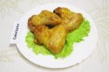 Готовое блюдо: куриные крылышки, запеченные в духовке