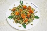 Готовое блюдо: салат с тыквой