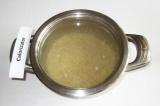 Шаг 1. Перловку залить водой на 1 час.