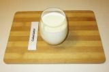Шаг 5. Смешать молоко со сливками.