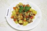 Готовое блюдо: рагу с мясом в мультиварке