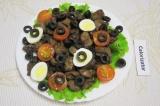 Готовое блюдо: салат с куриной печенкой