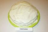 Шаг 9. Также смазать верх и бока торта, украсить на свой вкус. Дать пропитаться.