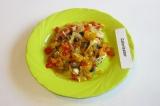 Готовое блюдо: овощи по-китайски с брынзой