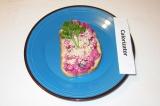 Готовое блюдо: бутерброды со свеклой и грибами