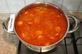 Шаг 8. Прогреть суп 10 минут. Сыр натереть на мелкой терке. При подаче посыпать