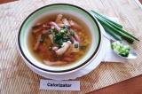 Готовое блюдо: куриный суп с кукурузой