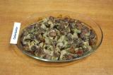 Шаг 6. Разогреть духовку до 180С. Запекать мясо около 50-60 мин. до готовности.